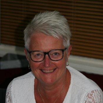 Femmie - werkt als huishoudelijke hulp in Vries