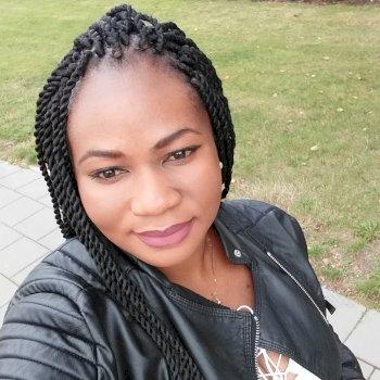 Joyce - werkt als huishoudelijke hulp in Amsterdam