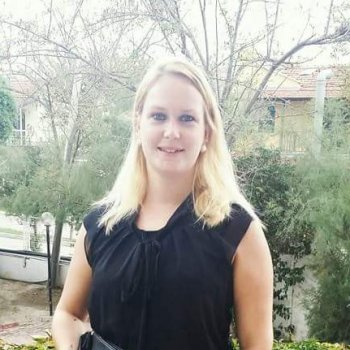 Malissa - werkt als huishoudelijke hulp in Grave