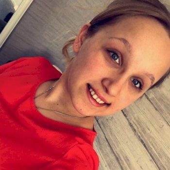 Melanie - werkt als huishoudelijke hulp in Eelde