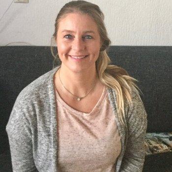Claudia - werkt als huishoudelijke hulp in IJlst