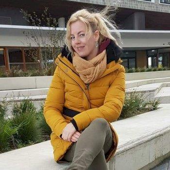 Mariska - werkt als huishoudelijke hulp in Amsterdam