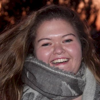 Anne-Fleur de Gelder  - werkt als huishoudelijke hulp in Bleskensgraaf