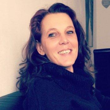 Sonja - werkt als huishoudelijke hulp in Almere