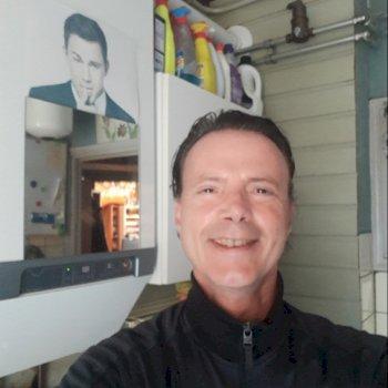 Erik - werkt als huishoudelijke hulp in Amsterdam