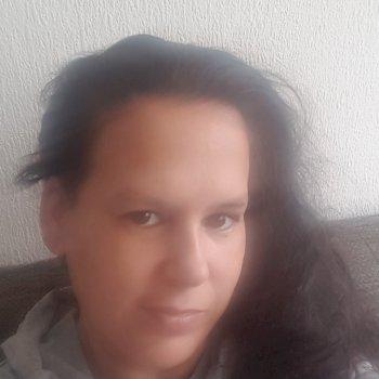 Chantal  - werkt als huishoudelijke hulp in Spijkenisse