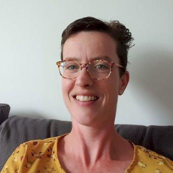 Suzan  - werkt als huishoudelijke hulp in Hengelo