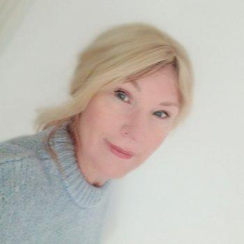 Henrita - werkt als huishoudelijke hulp in Amsterdam